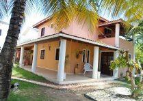 Casa a venda em Buraquinho Foz do Joanes