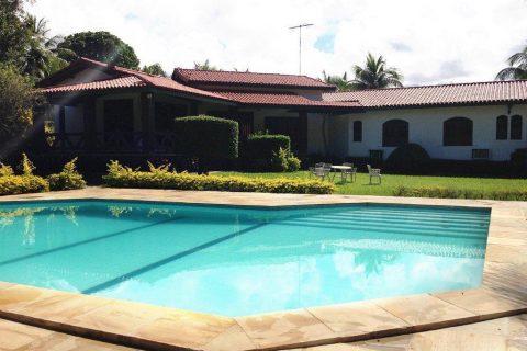 Casa colonial no Condomínio Encontro das Águas